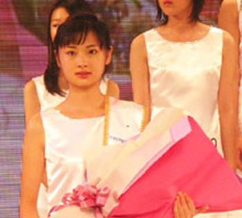 华人女孩当选日本美少女