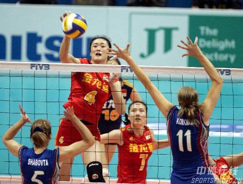 图文-女排世锦赛中国3-1阿塞拜疆刘亚男快球进攻