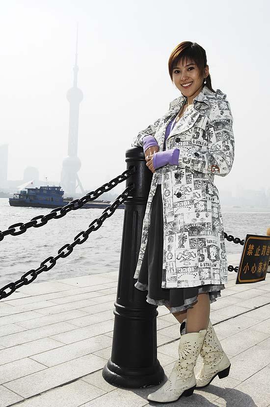 《现代美女》上海盛大开机俊男美女齐亮相