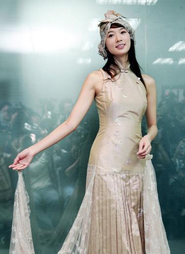 林志玲穿改良旗袍美丽变身 衬出古典气质
