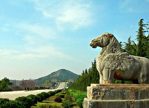 是大唐皇帝高宗李治和大周皇帝武则天的合葬陵园,也是中国?-武则