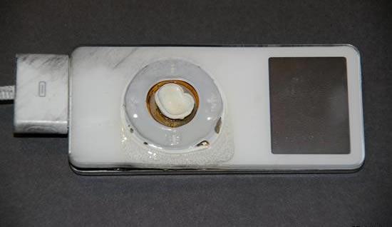 ipod锂电池无损时陷入爆炸音乐发生爆炸门-iphone6充电苹果播放器图片