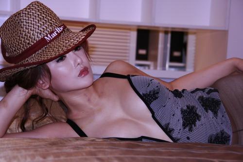 波霸美女杨欣疑遭意外暴力
