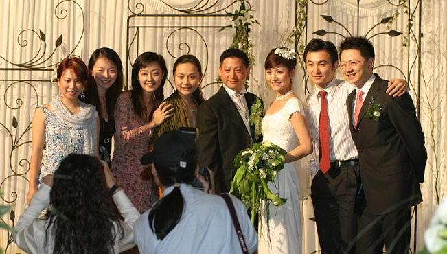 上海电视台美女主持吉雪萍嫁入豪门!