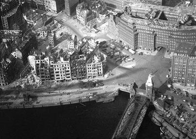 二战照片新近曝光 德国遭毁灭性轰炸