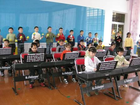 钢琴班幼儿汇报表演