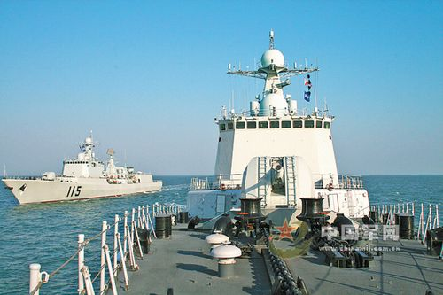 北海舰队某驱逐舰支队按照新大纲出海训练考核