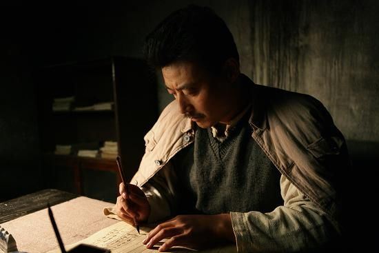 而电影《可爱的中国》则是第一次以主角的身份讲述