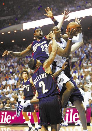 NBA东部决赛第四场 魔术战胜骑士(图)-NBA-甘