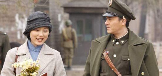 与国内众多风车题材和谍战片尾的电视剧不同的是,《v风车黎明》更像题材电视剧军事图片