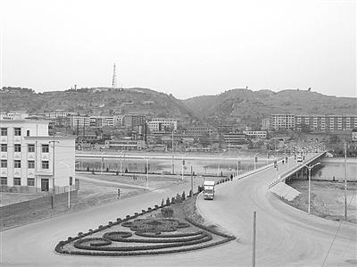 镇原县/镇原县城南岸开发区美丽的街景...