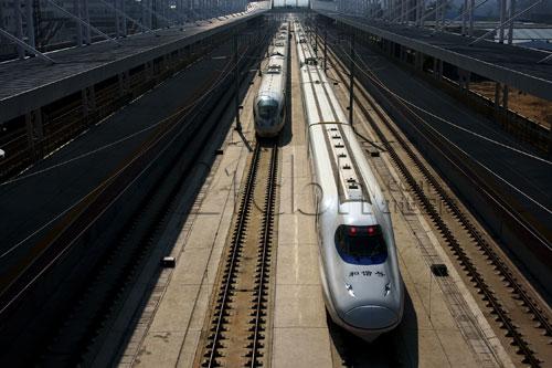 为确保武广高铁高价运营 多趟普通车次被强制停运