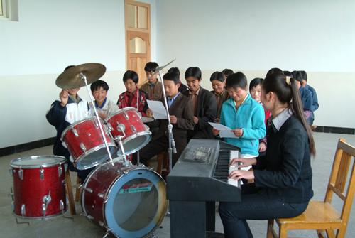 多姿多彩的音乐课