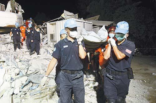 泸县地震失踪人口_...援队在四川搜救地震失踪人员