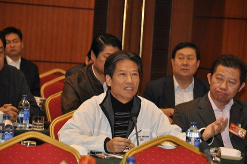 卢温胜委员:反对将高房价完全归罪于房地产商