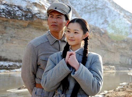 毛岸英/于晓光与剧中妻子刘思齐。