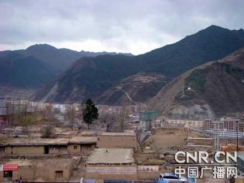 1953年成立甘南藏族自治州,政府驻地拉卜楞镇.