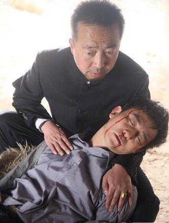 为题材的电视连续剧《 火红年代 》目前正在甘肃热拍