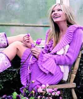 紫色凉鞋的搭配图片