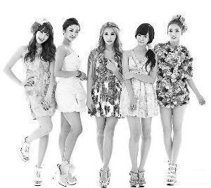 韩胜妍 朴奎利 姜智英/(左起)KARA成员姜智英、郑妮可、朴奎利、韩胜妍、具荷拉。