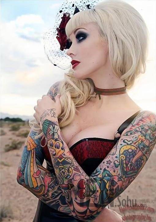 美女纹身的美丽诱惑