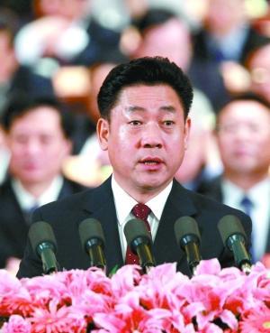 昨日,全国政协十一届四次会议第三次全体会议,刘佩智发言。新华社发