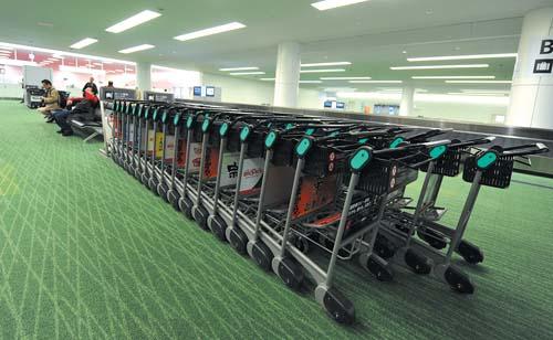 东京羽田机场行李提取处乘客稀少-东京|羽田|机