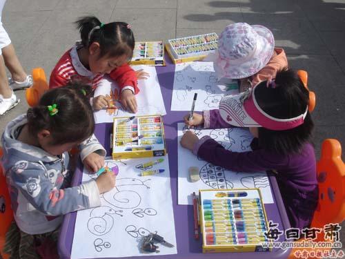 幼儿园 凉州区/5月28日,凉州区第一幼儿园第七届幼儿绘画比赛现场。