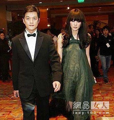 王菲日常穿衣搭配图片