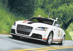 """能够自行在街上行驶的汽车一直是科幻小说的""""常客"""",也是高清图片"""