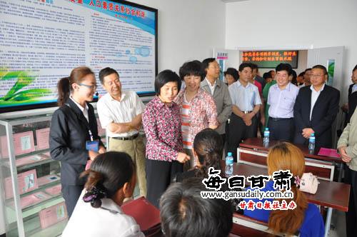人口老龄化_甘肃省人口委员会主任