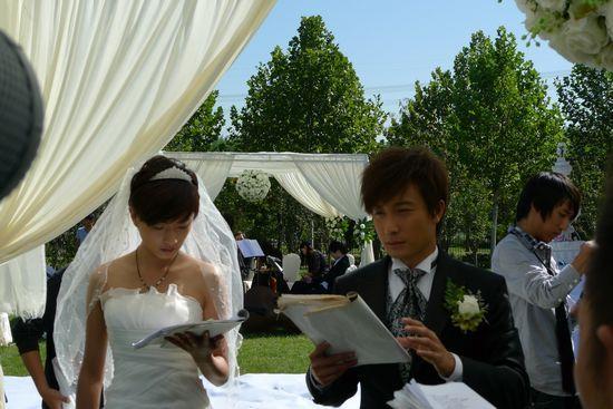 万茜/万茜、方力申婚礼拍摄现场。