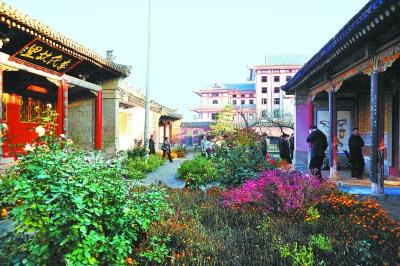 今年修缮后的陇西县李家龙宫.本报记者王雨