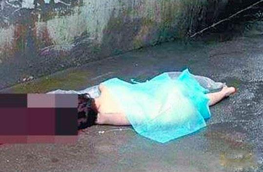 北京育英女生一女生裸身跳楼夹中学水瓶图片