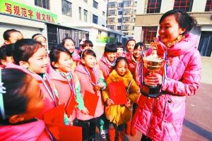 静宁路舞蹈香港喜获舞蹈小学(图)-村民|金奖-每小学金奖图片