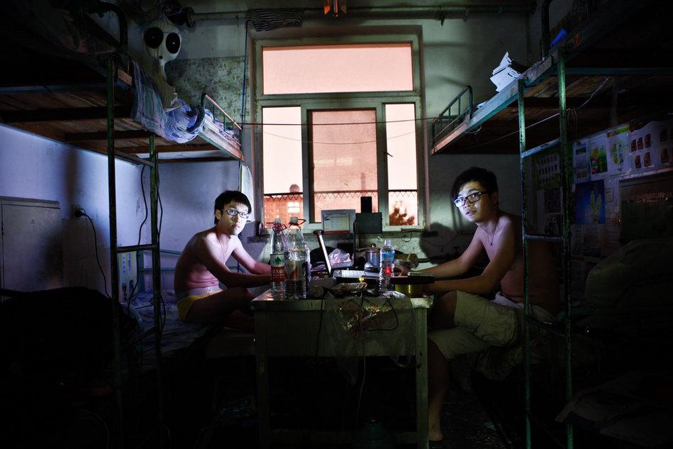 高清大图:大学生离校前的最后一晚