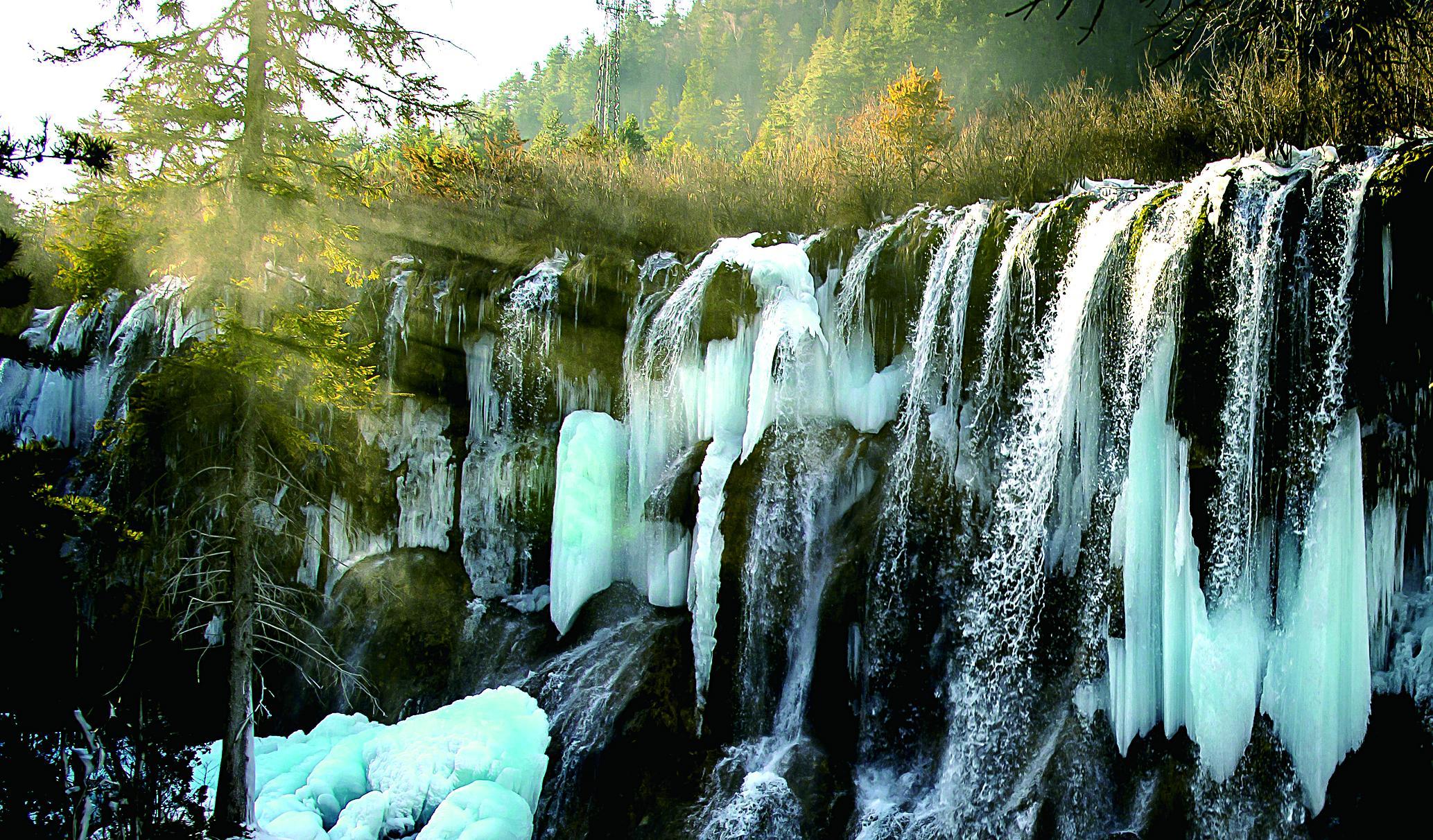冬季的九寨沟多了几分宁静