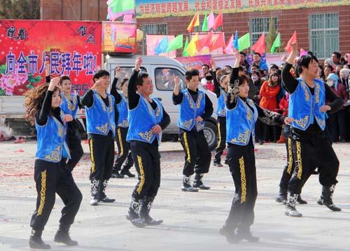 哈萨克族特色舞蹈表演