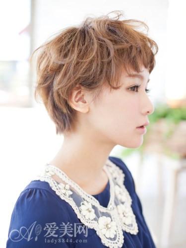 外国人的风格,时尚可爱的卷发造_发型设计图片