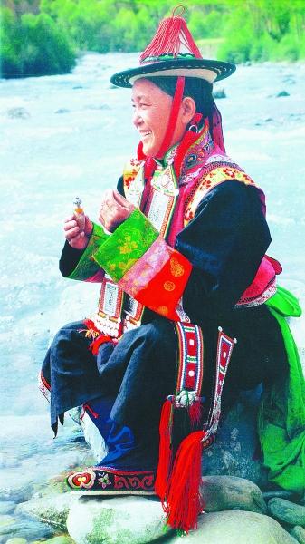 甘肃民族文化繁花似锦 裕固族能歌善舞保安族心灵手巧