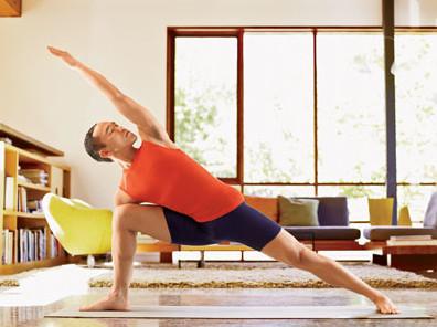 男人 瑜伽/需要注意的是,男性筋骨肌肉不如女性柔软放松,刚开始练习瑜伽...