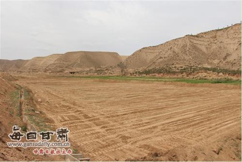 水川镇依法开展沿黄快速通道连接线公路工程第四标段