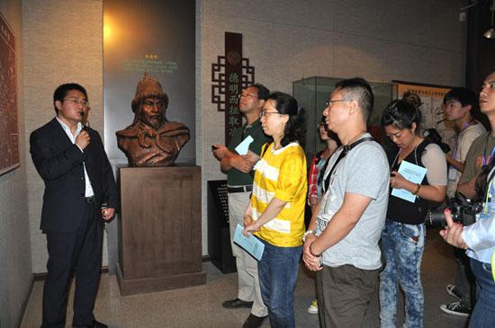 华夏文明之旅 网媒探访武威文庙和西夏博物馆