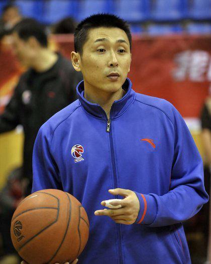 胡雪峰任球员兼教练 南钢执行主帅定山东塞籍助教