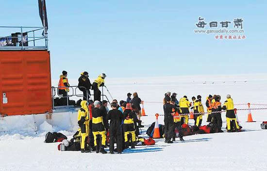 在南极也能吃到中国包子   王飞腾\