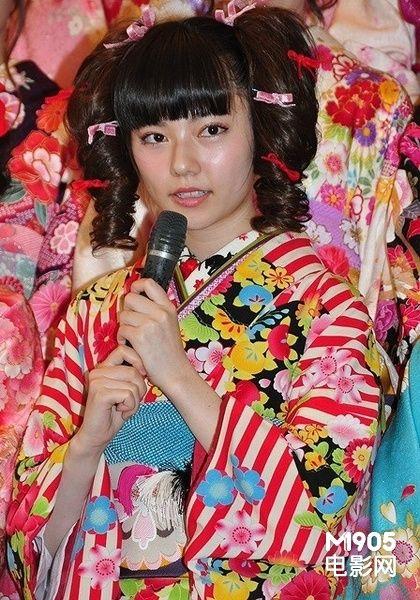 AKB48众美女庆祝成人 岛崎遥香新年期待上头