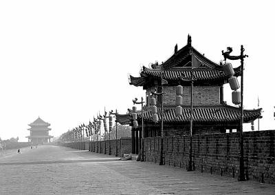 秦始皇兵马俑   秦始皇兵马俑博物馆位于西安的骊山北麓,距秦始皇