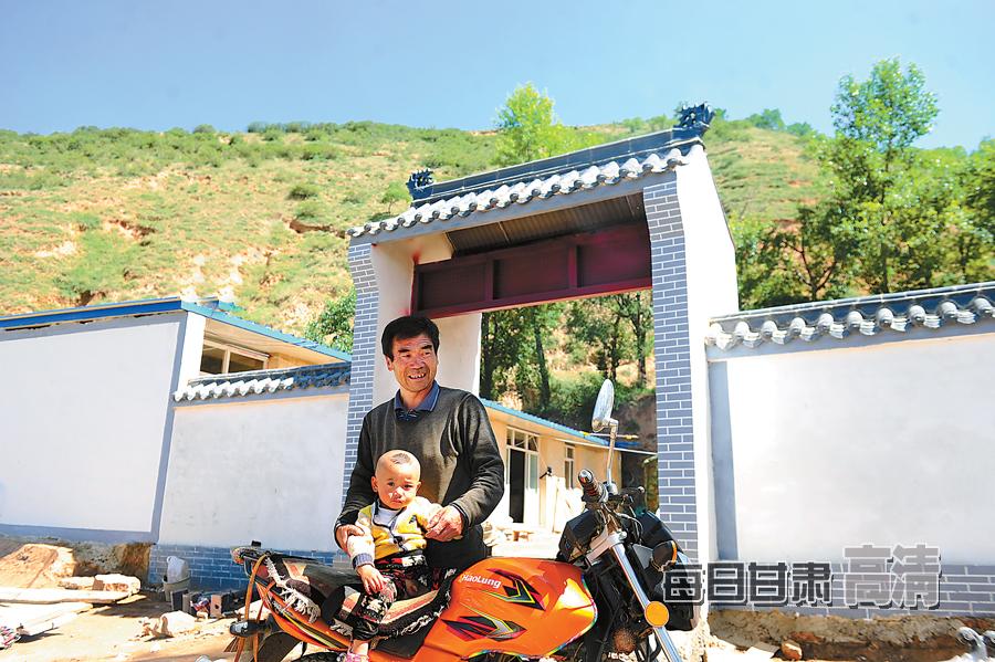 岷县梅川镇车路村修起的新房