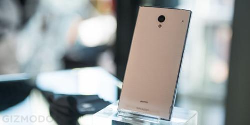 夏普无边框手机体验防误触优化出色