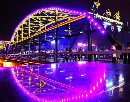 兰州黄河铁桥作文_兰州百年铁桥——中山桥-旅游-每日甘肃网
